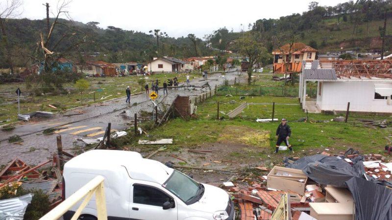 Temporal mata três pessoas no Rio Grande do Sul