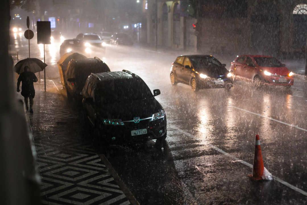 Chuva forte atinge Porto Alegre.  Crédito: Cesar Lopes/ PMPA | Acervo Agora no RS