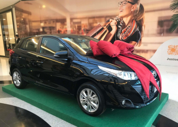 Além de participar do sorteio do Toyota Yaris, a troca das notas dá direito a uma luminária lightbox. Foto: Divulgação/Canoas Shopping