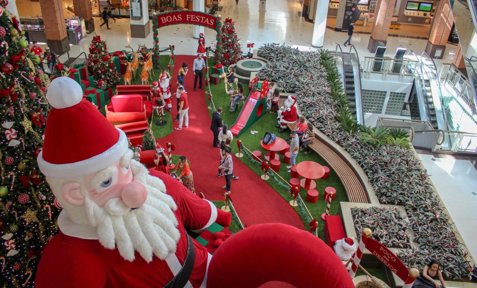 Decoração de Natal no Praia de Belas Shopping. Foto: Divulgação