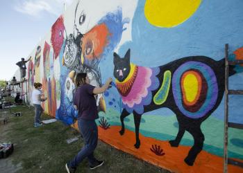 reúne 50 artistas de diferentes países para pintar um painel gigante. Foto: Cláudia Dorneles/Divulgação