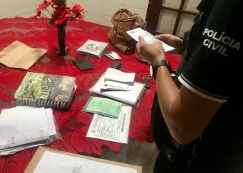 Documentos apreendidos serão analisados. Foto: Divulgação/PC