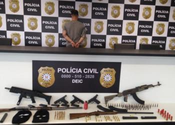 As armas foram encontradas no forro de uma residência. Foto: Divulgação/Polícia Civil