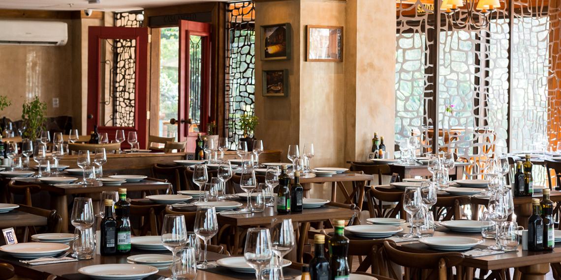 Vinda diretamente da Serra Gaúcha, a Trattoria Casa Angelo traz, em sua nova unidade, um pouco da história que deu origem ao primeiro restaurante da marca. Foto: Bruno Inokawa
