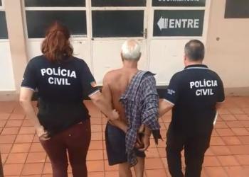 Materiais pornográficos e roupas íntimas infantis foram apreendidos na residência onde o homem foi encontrado. Foto: Divulgação/Polícia Civil
