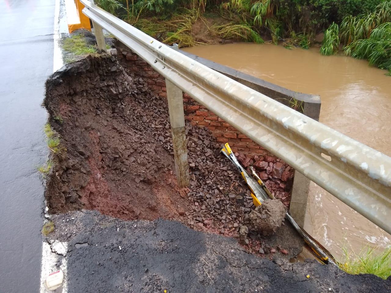 O fato aconteceu com a chuvarada que caiu na região. Foto: Divulgação/Polícia Rodoviária Estadual