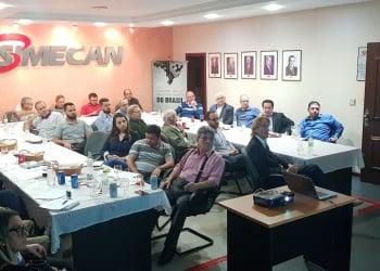 Happy Hour do Simecan debateu assuntos de interesse do empresariado. Foto: De Zotti/Assessoria de Imprensa
