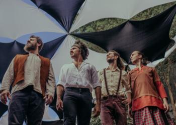 Balaio de Palha é formado pelos músicos, Zé do Banjo, Jonatã Edinger, Bruno Pereira e Tales Melati. Foto: Fabíola Dal Canton/Divulgação