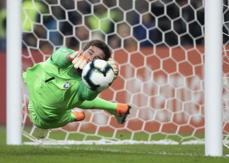 Alisson: Brasil Perlu Masih Fokus Tatap Semi-final