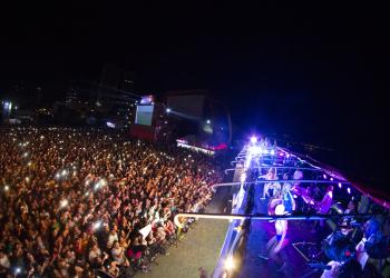 Cerca de 8.500 pessoas estiveram na Arena Nº1 Brahma na sexta-feira (14). Foto: Giovanni Rocha / Arena Nº1 Brahma