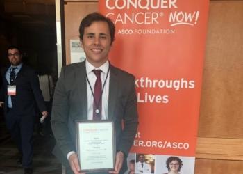 João Isaacsson Velho recebendo prêmio. Foto: Divulgação