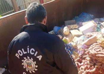 Alimentos que foram apreendidos durante a operação. Foto: Divulgação/Polícia Civil