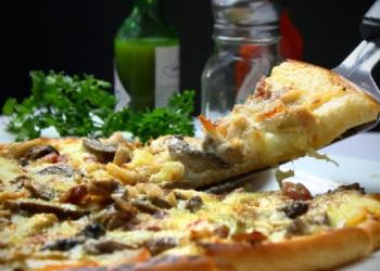 Os participantes irão aprender as técnicas e habilidades necessárias para o preparo de diferentes tipos de pizzas. Foto: PXHere/Divulgação