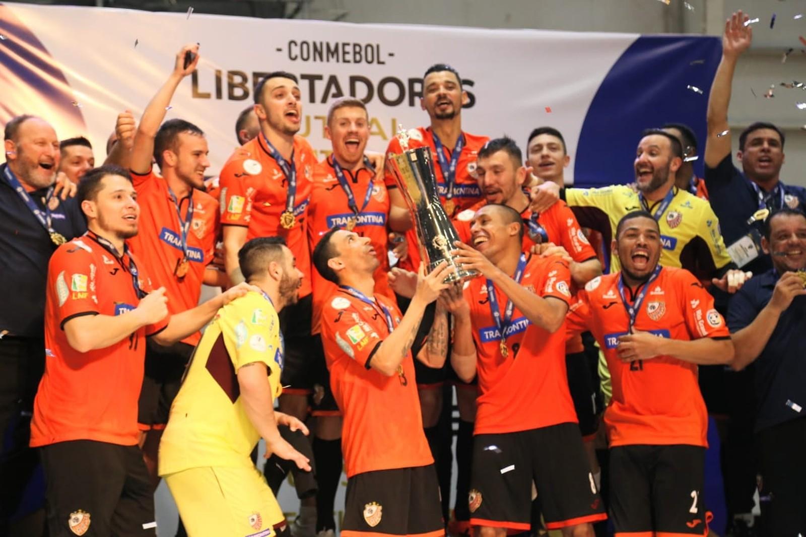 Time gaúcho se iguala ao Jaraguá como o maior campeão do torneio continental. Foto: Ulisses Castro/Divulgação