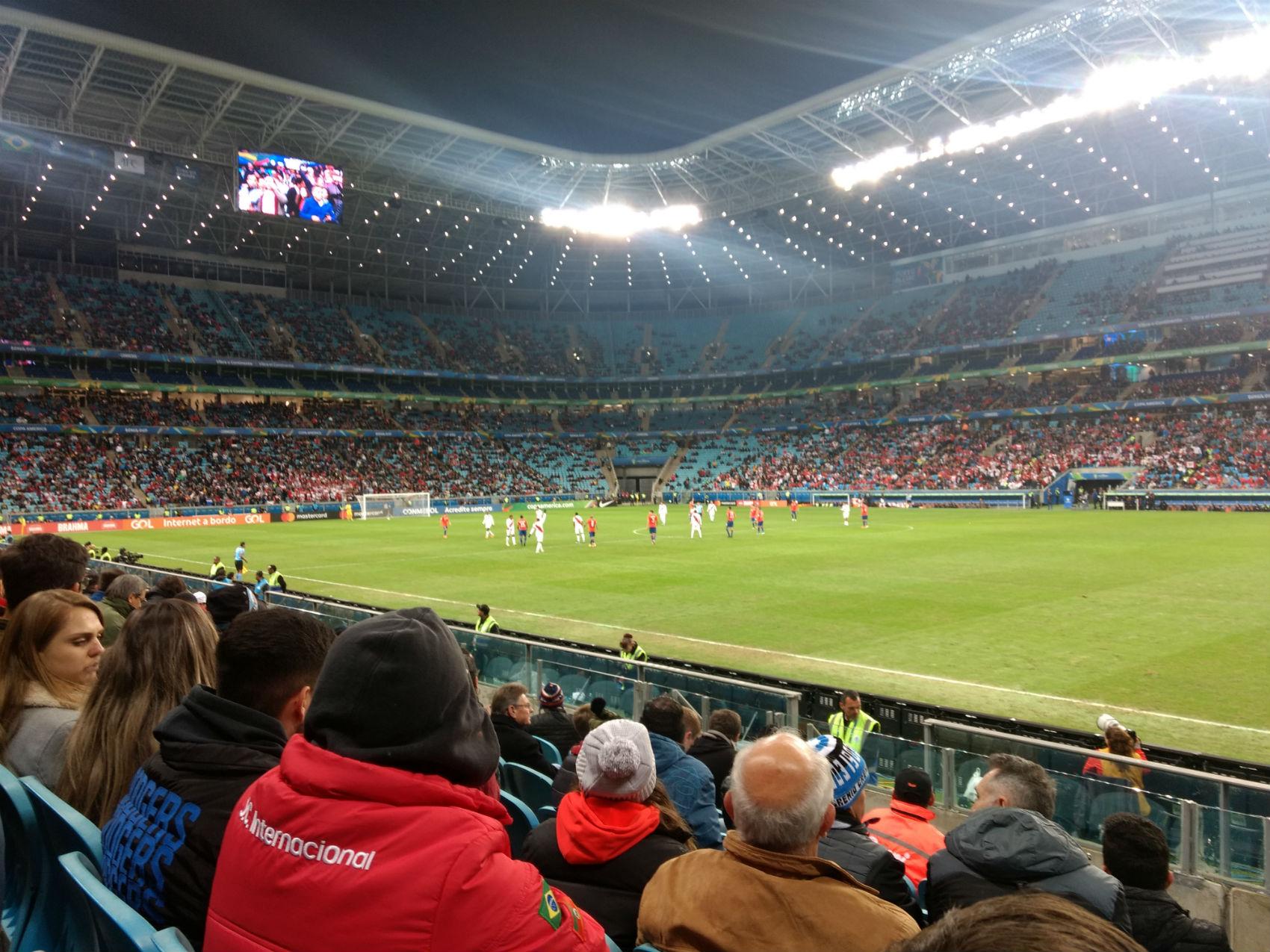 Copa América: mais de 33 mil espectadores acompanharam Chile e Peru na Arena do Grêmio. Foto: Vitor de Arruda Pereira/Agora no RS