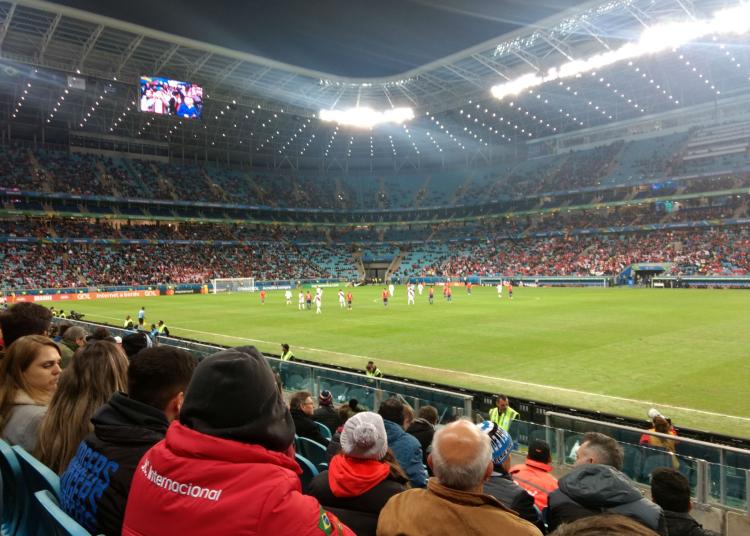 Mais de 33 mil espectadores acompanharam Chile e Peru na Arena do Grêmio. Foto: Vitor de Arruda Pereira/Agora no RS