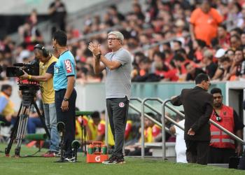 técnico colorado escalou uma equipe reserva para o confronto na Arena da Baixada. Foto: Ricardo Duarte/Divulgação