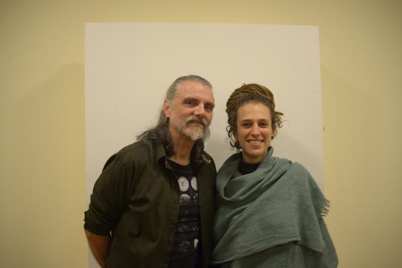 Hique Gomez e Gutcha Ramil misturam sonoridades de diversas partes do mundo. Marcelo Freire/Divulgação.