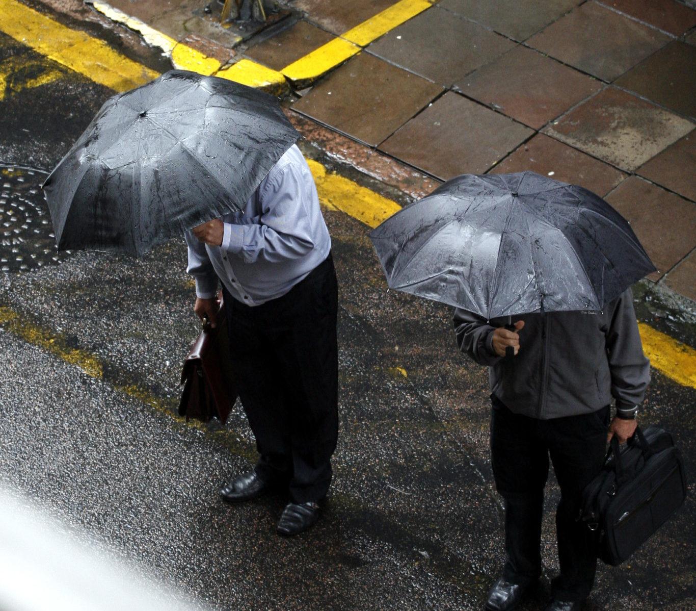 Porto Alegre, RS - 14/07/2016  Muitas nuvens e provável chuva no decorrer do dia com chance de trovoadas  Foto: Betina Carcuchinski/PMPA