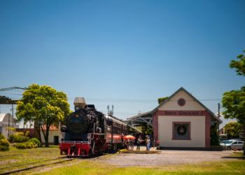 Estação de Bento Gonçalves e a tradicional Maria Fumaça. Foto: Divulgação