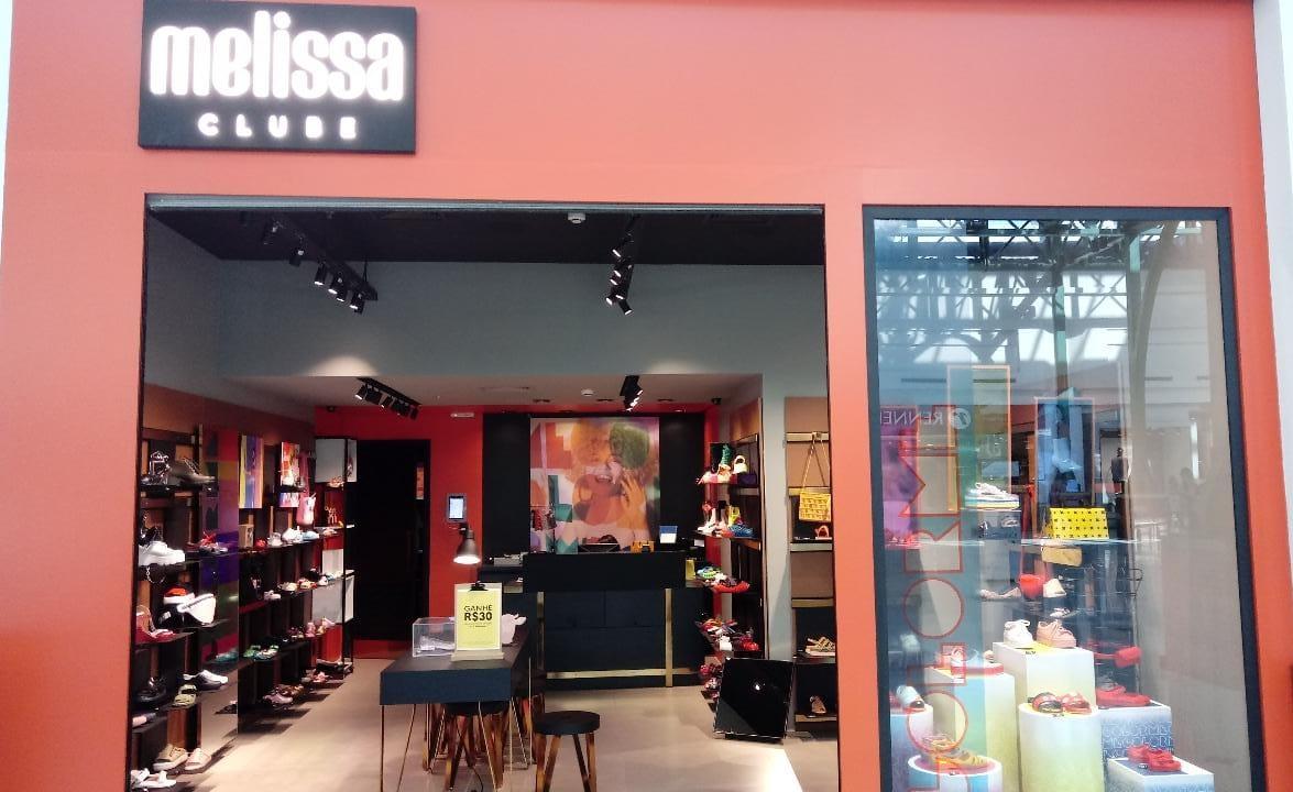 Fachada da loja Melissa.