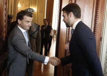 Embaixador Patrick Herman discutiu com governador Leite possíveis parcerias entre Bélgica e RS. Foto: Itamar Aguiar / Palácio Piratini