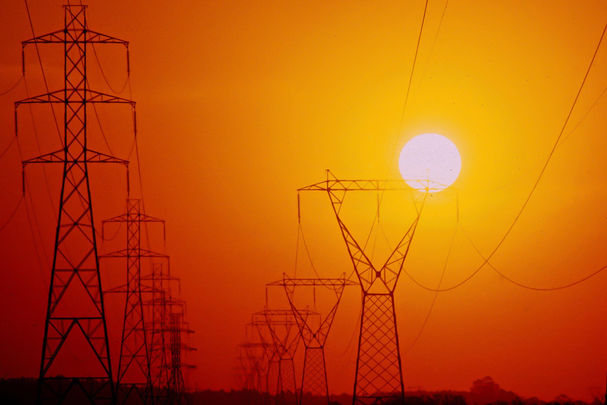 PORTO ALEGRE, RS, BRASIL, 14.10.2017 - Vista de linhas de transmissão de energia elétrica. Foto: Beto Rodrigues / Grupo CEEE