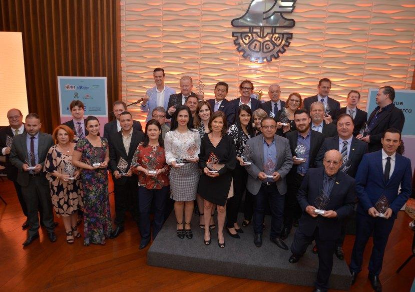 Canoas Shopping conquista pela 19 ª vez o prêmio Marcas & Líderes - Agora no RS