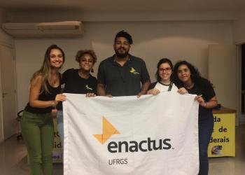 Um dos times do do programa voltado para alunos de universidades ao redor do mundo. Foto: Fabiane Morais/Agora no RS