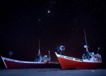 Além de um telescópio e observatório modernos, existem cantos nos quais o patrimônio celeste têm céu noturno limpo. Na imagem a praia de Punta Del Diablo. Foto: Divulgação