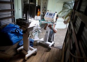 Porto Alegre, RS - 20/03/2020 - Retirada de equipamentos do Hospital Parque Belém para uso no combate ao coronavírus. Foto: Anselmo Cunha/PMPA