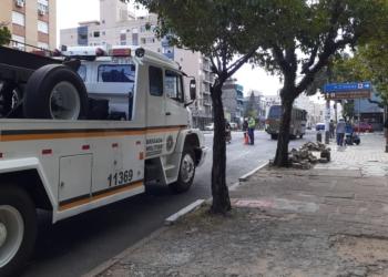 Acidente ocorreu na avenida João Pessoa, na esquina com a Jerônimo de Ornelas. Foto: EPTC / Divulgação