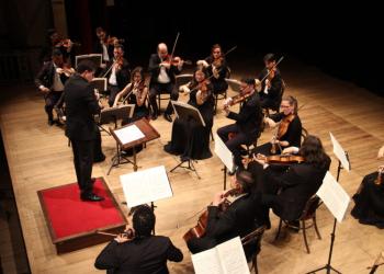 Na imagem, a Orquestra de Câmara do Theatro São Pedro. Foto: Ester Chaves/Divulgação