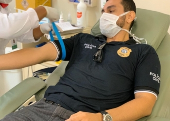 Policiais fizeram as doações no Banco de Sangue do Hospital de Clínicas de Porto Alegre. Foto: Fabiano Costa/Polícia Civil