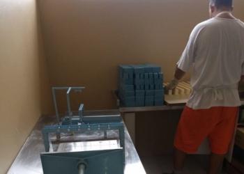 Aquisição de uma máquina de fazer sabão aumentou produção na Penitenciária Estadual de Arroio dos Ratos. Foto: Ascom Susepe