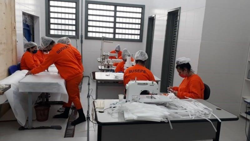 Além de colaborar com a saúde pública, apenadas têm o benefício da remição de pena pelos serviços prestados. Foto: Ascom Seapen/Susepe