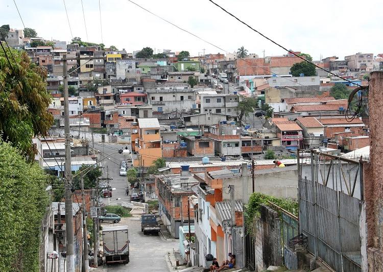 Moradias nesses locais geralmente têm poucos cômodos e o abastecimento de água é intermitente. Foto: Divulgação