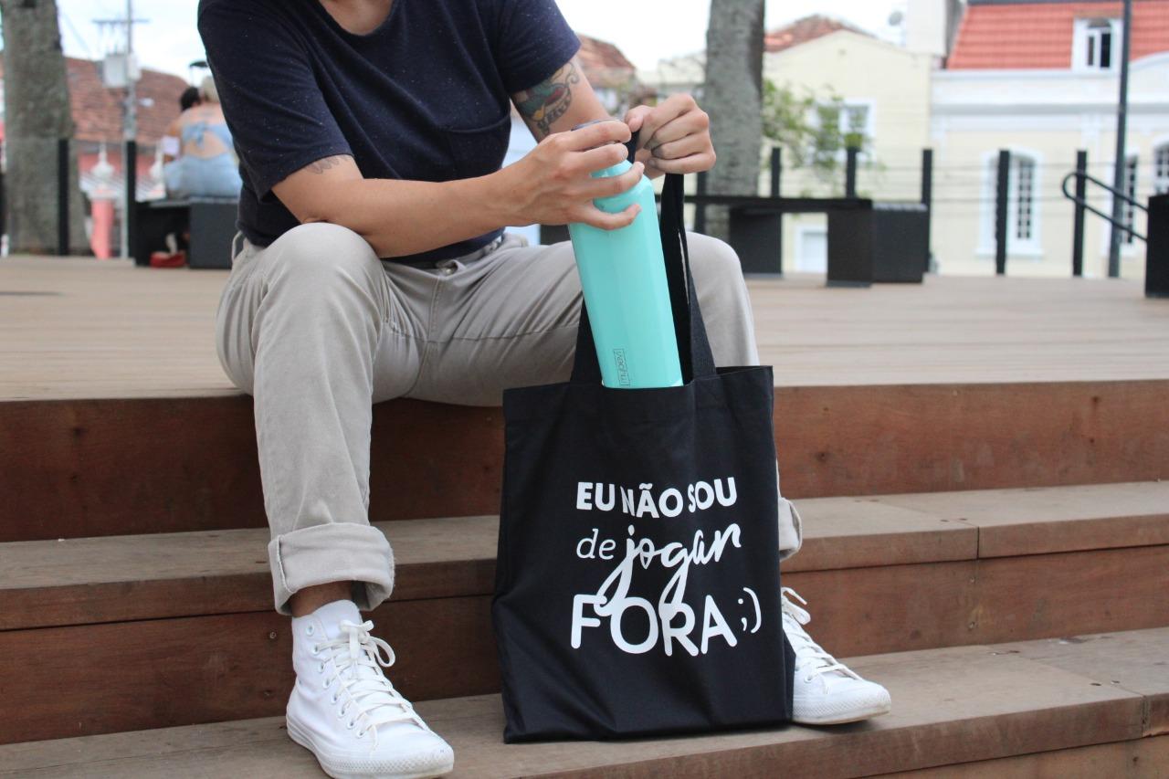 Durante todo o mês de julho, a Liga Zero Descartável,convida a população a mudar hábitos e evitar o uso de plásticos descartáveis. Foto: Divulgação