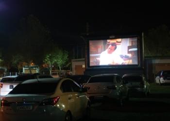 Comunidade de Campo Bom pôde assistir ao filme respeitando as normas de prevenção ao coronavírus. Foto: Laura Poersch Schommer/PMCB