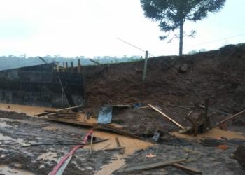 Homem foi atingido por deslizamento de terra. Foto: Divulgação/Polícia Civil