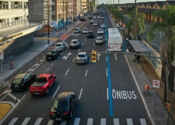 Trânsito na avenida Mauá, em Porto Alegre. Foto: Jefferson Bernardes/ PMPA