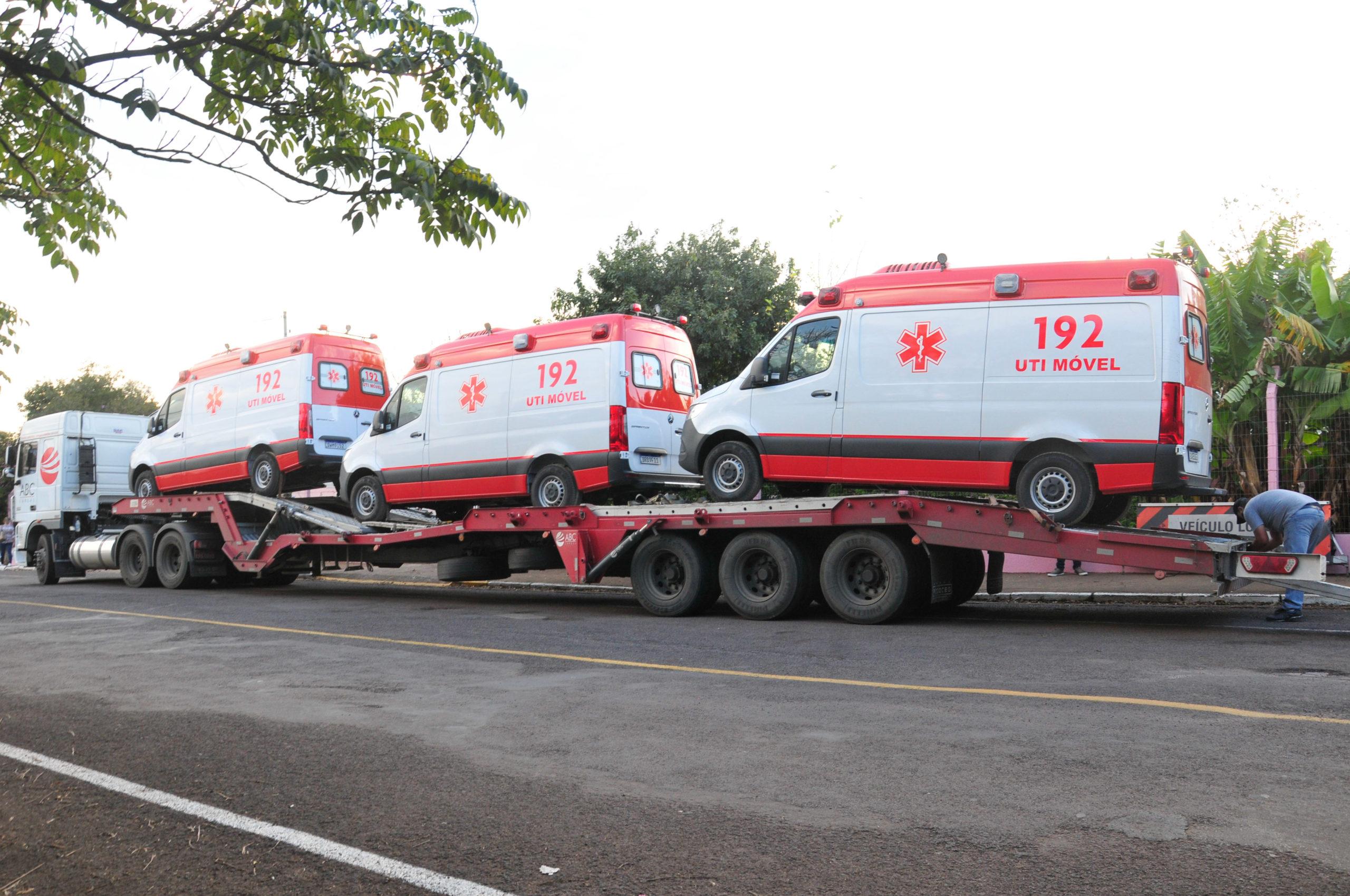 Doação de ambulância da JBS em Frederico Wesphalen.