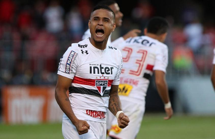 Everton assina contrato até 2022 com o Grêmio. Foto: Rubens Chiri/São Paulo.
