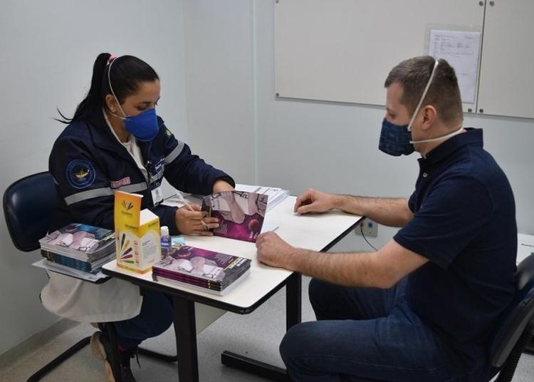 Vacina chinesa CoronaVac começou a ser aplicada em profissionais da saúde, há duas semanas, pelo Hospital São Lucas. Foto: Divulgação/Hospital São Lucas