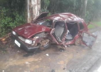 Cinco pessoas ocupavam o veículo. Foto: Divulgação/Corpo de Bombeiros de Veranópolis