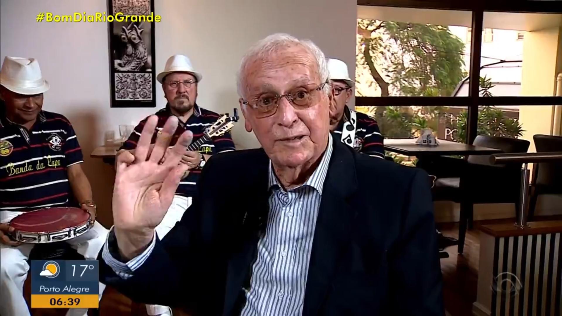 """Narrador Celestino Valenzuela, em participação no programa """"Globo Esporte"""". Foto: reprodução de vídeo / RBS TV"""