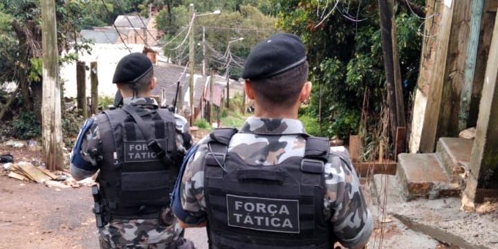 Brigadianos realizam buscas atrás dos criminosos. Foto: BM / Divulgação