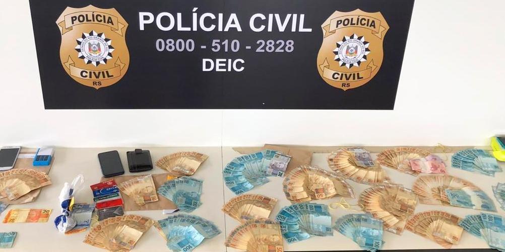 Cerca de R$ 19 mil em dinheiro foi apreendido. Foto: Divulgação/Polícia Civil