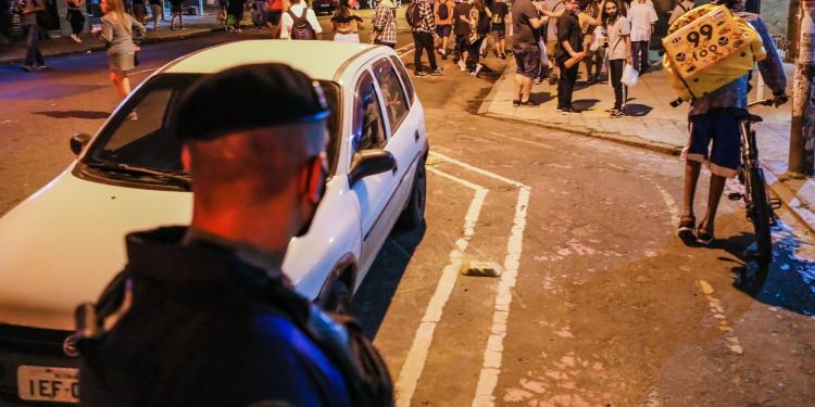 Porto Alegre, RS 04/12/2020 - SMDE, Guarda Municipal, EPTC e Brigada Militar realizarão fiscalização de festas e aglomerações na Padre Chagas e Cidade Baixa. Fotos: Cesar Lopes/ PMPA
