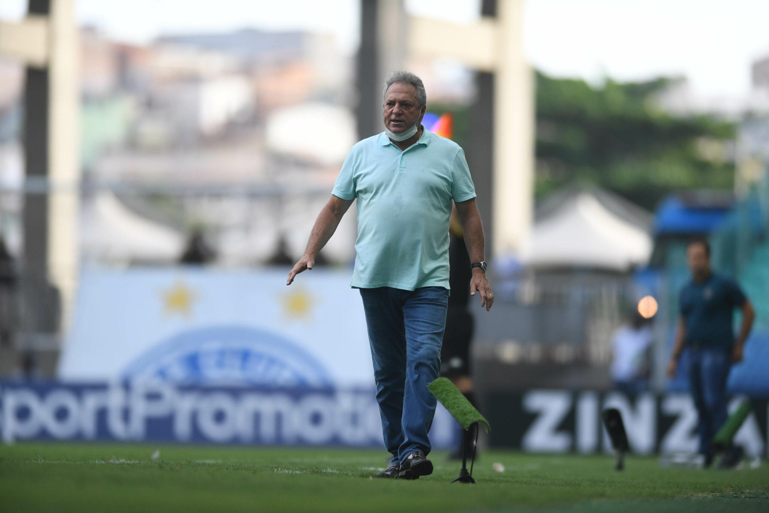 Abel Braga diante do Bahia. Foto: Ricardo Duarte/Internacional